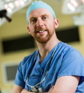 Dr Iain Hennessey
